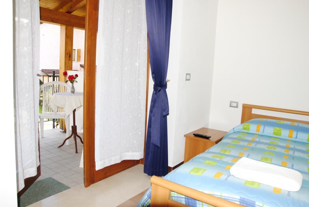 Partager une chambre en deux 2 lits spars chambre enfant for Partager une chambre en deux